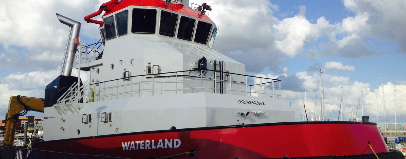 Shoalbuster 3511 Waterland during her contract with Wagenborg Towing